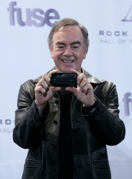 Neil Diamond takes a snap